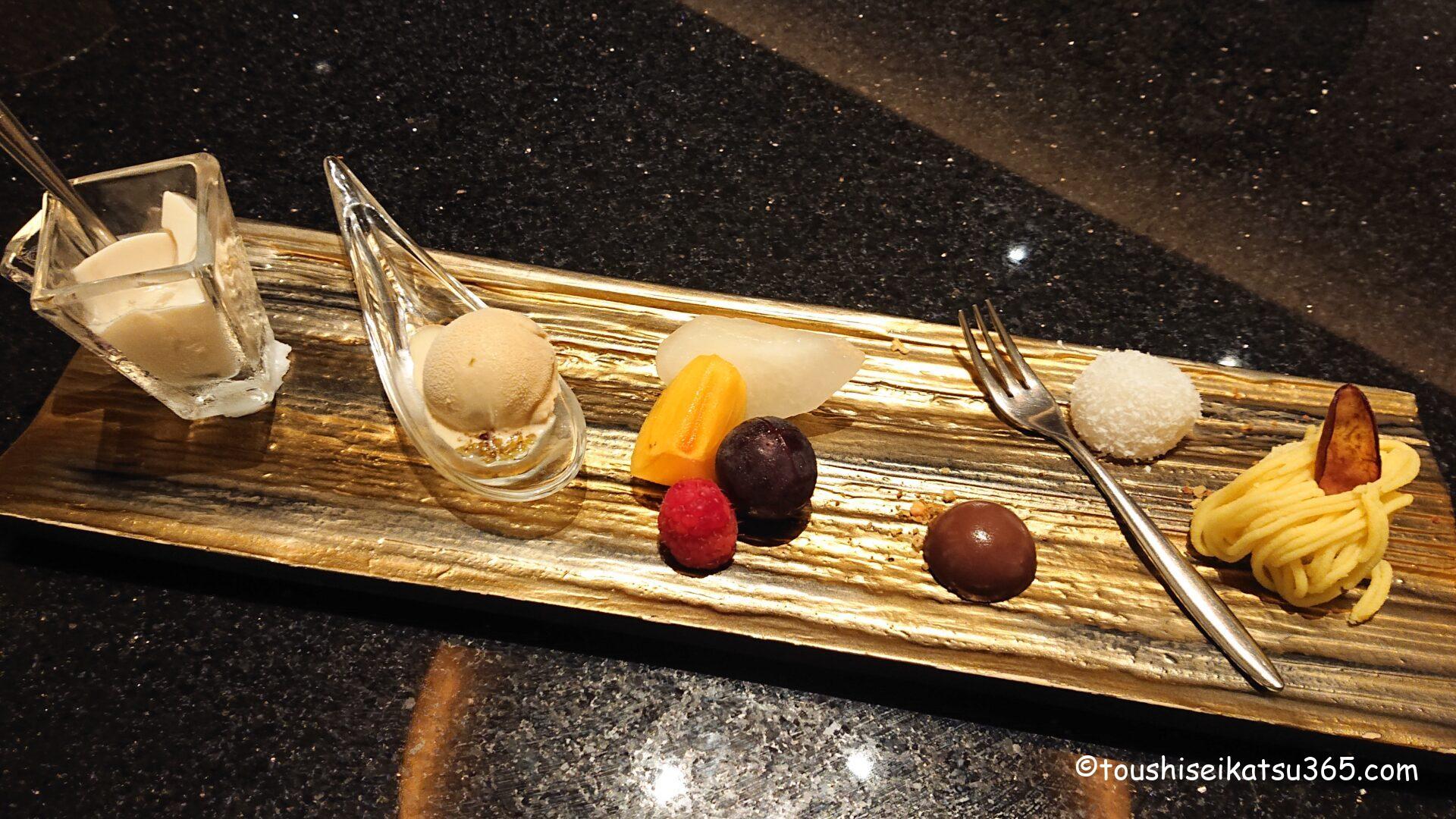 中国料理「翆陽」 コーヒー杏仁豆腐と季節のフルーツ盛り合わせ 小さな中国菓子とともに